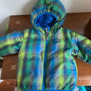 Reversible boys 2T the north face down jacket